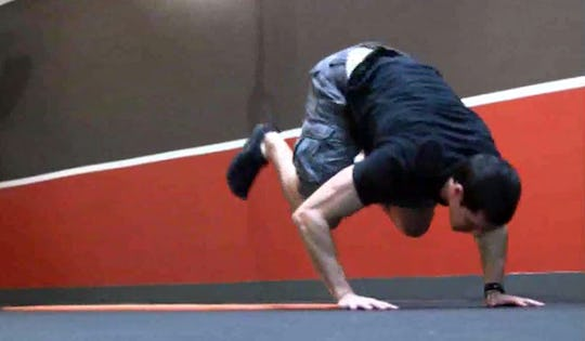 Tumbling Bodyweight Exercise Workout by Mark de Grasse