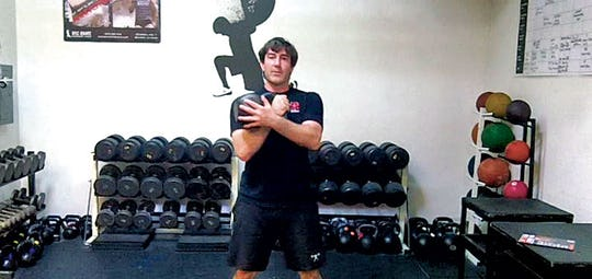 4 Kettlebell Exercises & Rules for Increasting Kettlebell Weight