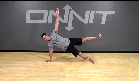 Bodyweight Exercise: Gladiator Complex