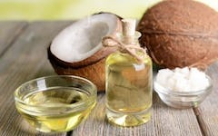 Why You Should Start Eating Coconut Oil and These 4 Superfoods