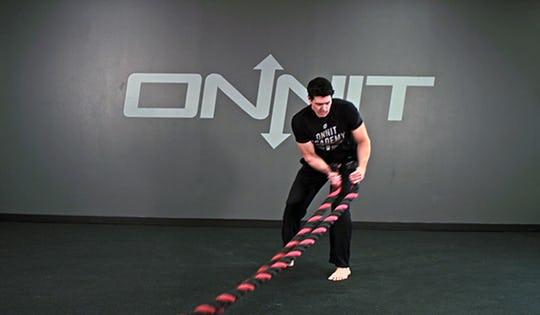 Diagonal Pull Battle Ropes Exercise
