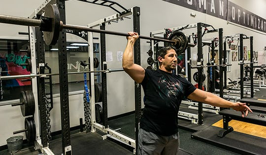 Sexy Move of the Week: 1-Arm Strict Barbell Press
