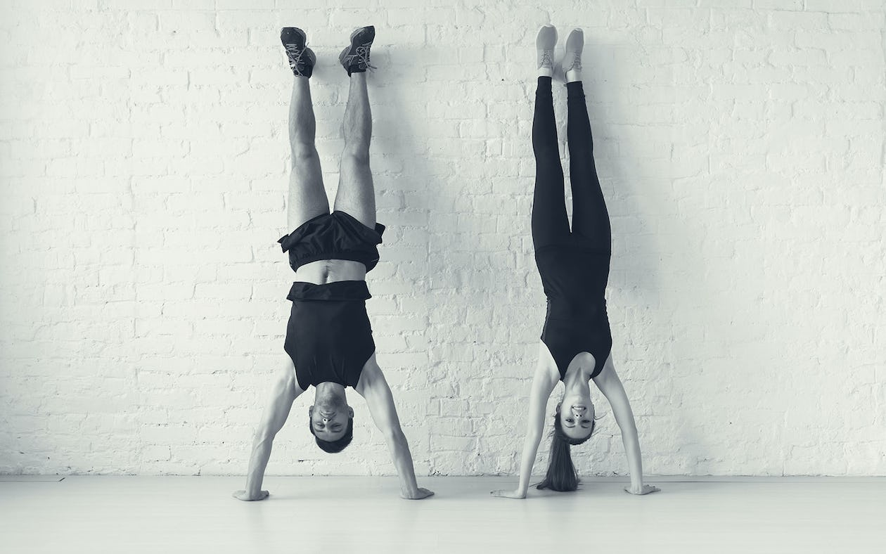 Advanced Frog Stand how to get into a handstand with more confidence and ease
