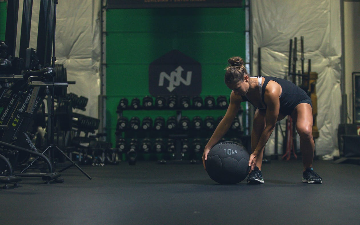 The Medicine Ball – An Ultimate Guide To The Oldest Training Tool