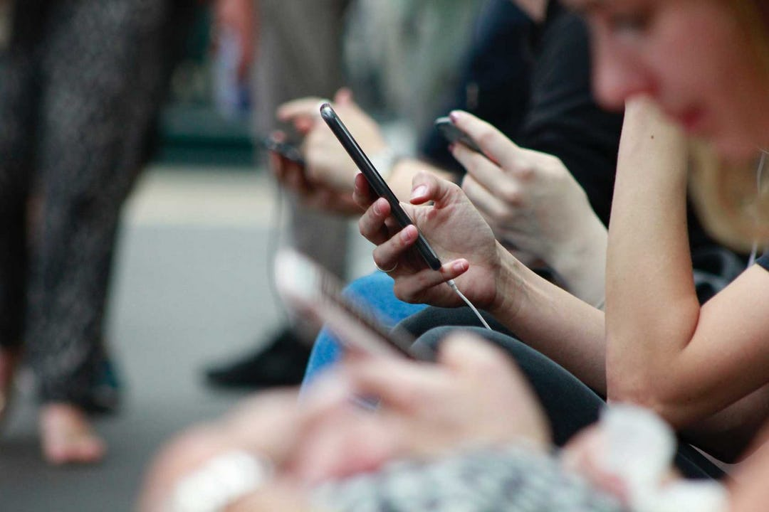 Does Social Media Make You Feel Like Sh*t? What the Science Says