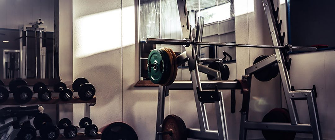 Barbells vs Dumbbells: What's Better for your Workout?